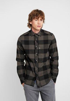STALT STRAIGHT SHIRT L/S - Skjorter - dark black/asfalt