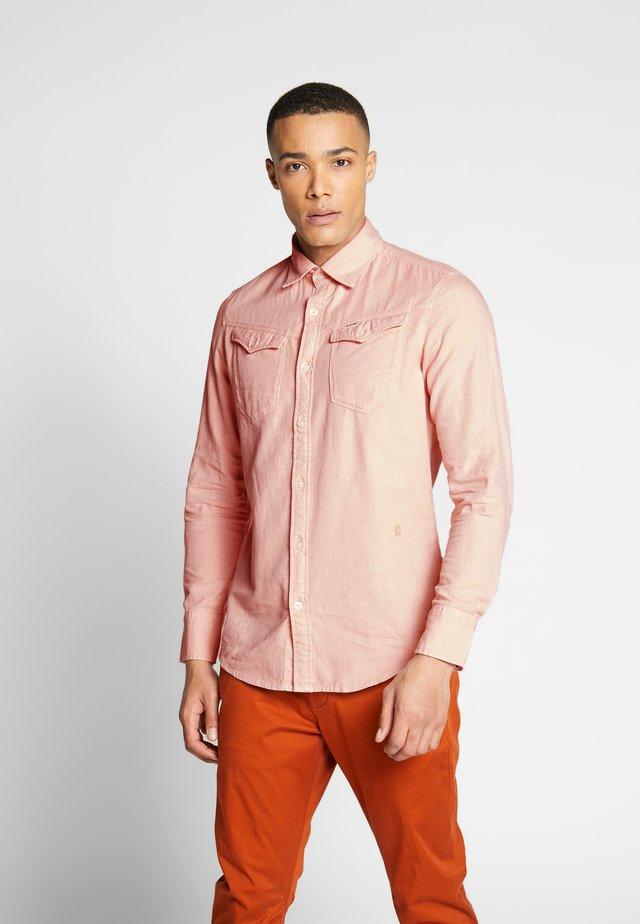 ARC SLIM SHIRT - Camisa - pink
