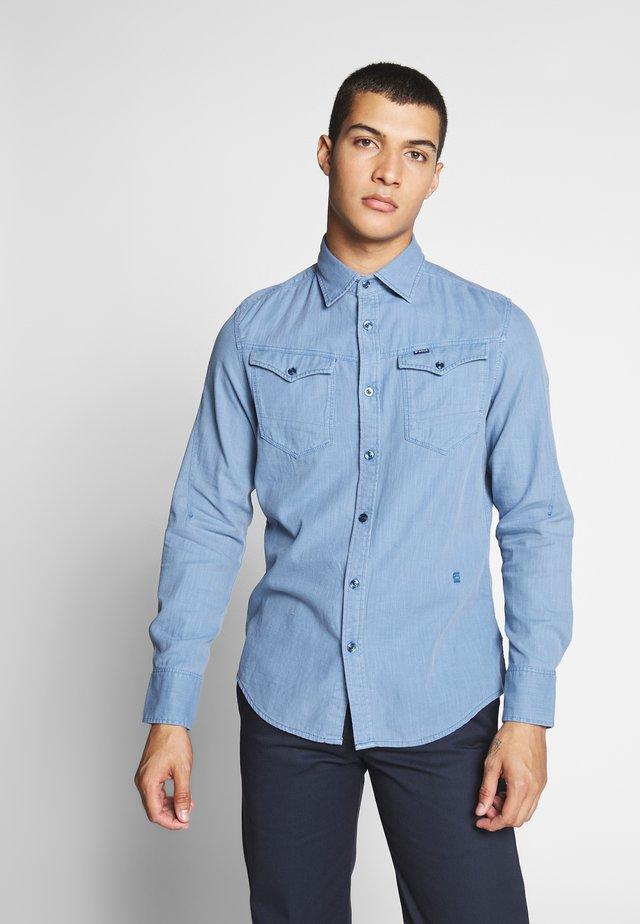 ARC SLIM SHIRT - Camisa - delft