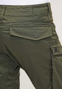 G-Star - ROVIC ZIP 3D STRAIGHT TAPERED - Pantalon cargo - dark bronze green - 5