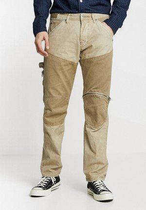 5620 WORKWEAR 3D ZIP STRAIGHT CB - Pantalon classique - khaki