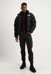G-Star - ROVIC ZIP 3D STRAIGHT TAPERED - Cargo trousers - raven - 1