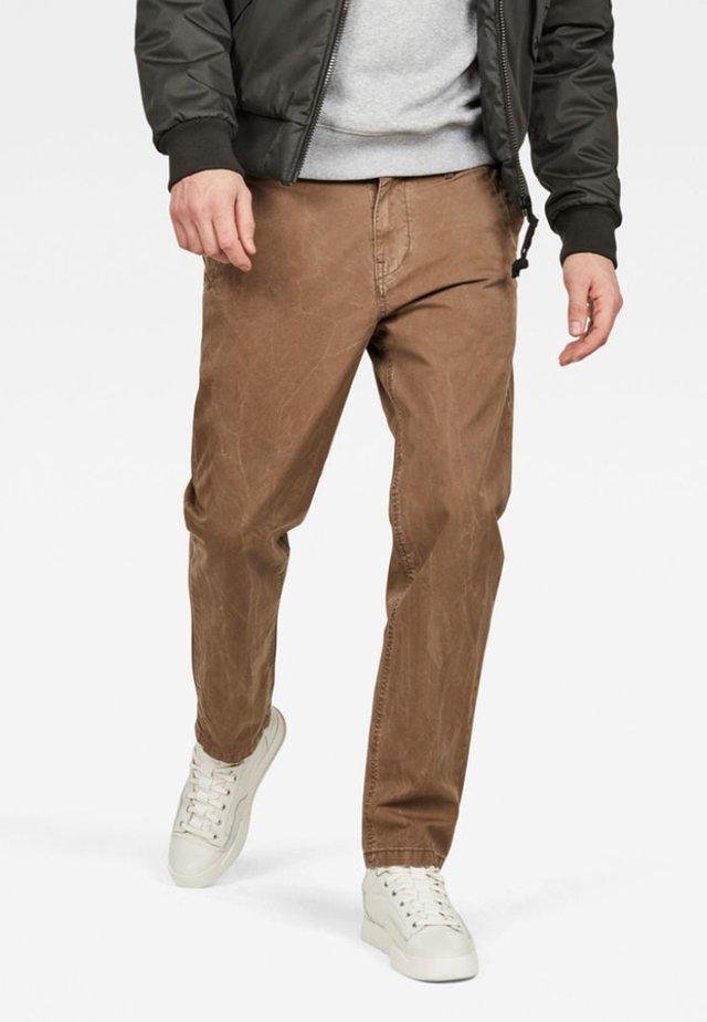 BRONSON STRAIGHT TAPERED - Chino kalhoty - oak