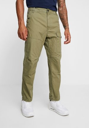TORRICK LOOSE FIT - Chinosy - compact bitt canvas - sage