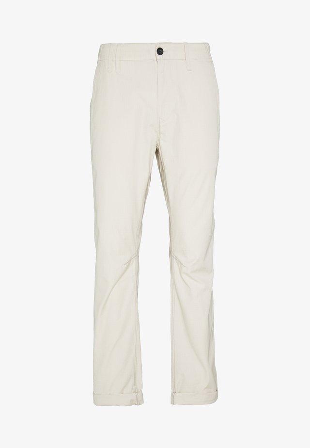 VETAR SLIM CHINO - Pantalones chinos - vintage ripstop - whitebait