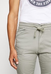 G-Star - ROVIC SLIM TRAINER - Cargo trousers - olive - 4