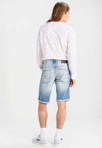 G-Star - 3301 SHORT - Shorts di jeans - sato denim - 2