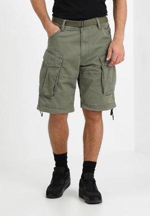 ROVIC QANE BELT LOOSE 1/2 - Shorts - dark shamrock