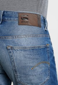 G-Star - 3301 1\2 - Jeansshort - medium aged - 5