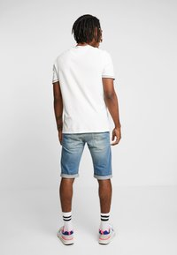 G-Star - 3301 TAPERED FIT - Jeans Shorts - cyclo stretch cenim light aged - 2