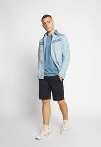 G-Star - VETAR CHINO SHORT - Shorts - mazarine blue - 1