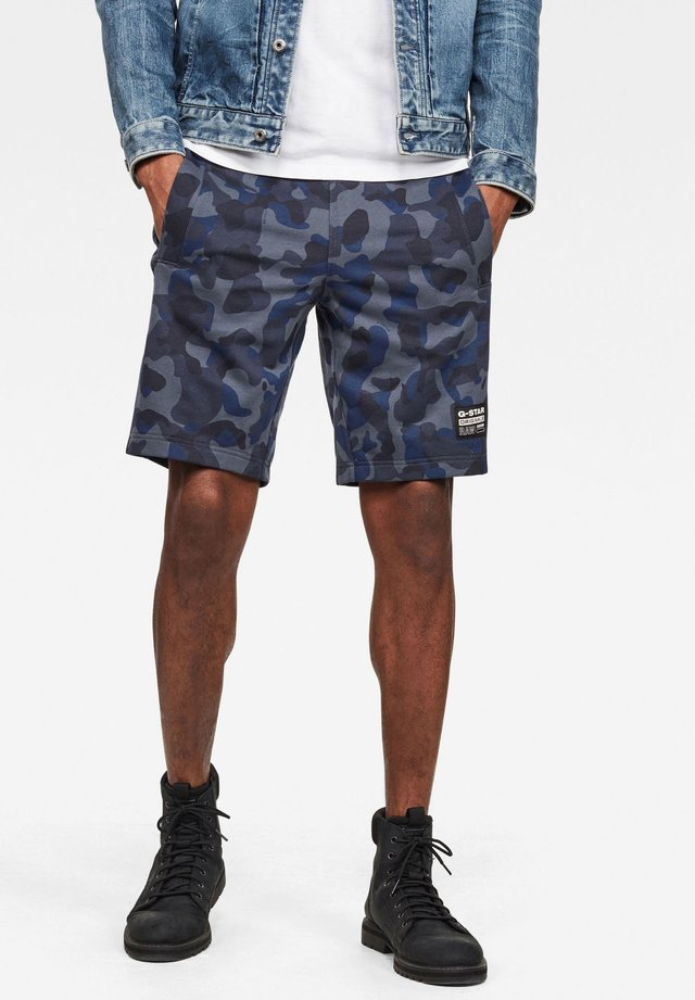BRUSH CAMO - Shorts - fantem blue birch camo