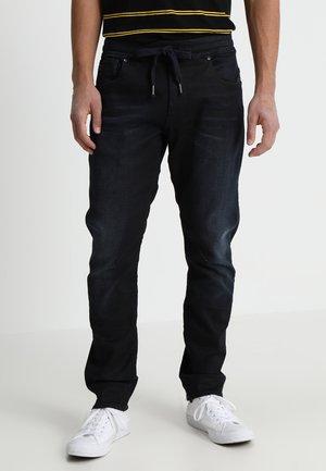 ARC 3D SPORT STRAIGHT TAPERED - Jeans Tapered Fit - pintt stretch denim dark aged