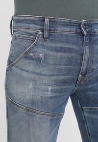 G-Star - 5620 3D ZIP KNEE SKINNY - Jeans Skinny Fit - elto superstretch - dark aged antic restored 33 - 4