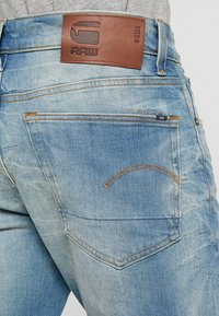 G-Star - 3301 STRAIGHT TAPERED - Jeans straight leg - cyclo stretch denim - light aged - 5