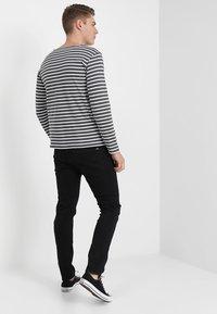 G-Star - 3301 SLIM - Jeans slim fit - black denim - 2