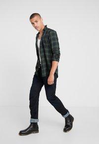 G-Star - ARC 3D SLIM - Slim fit jeans - visor denim  dark aged - 1