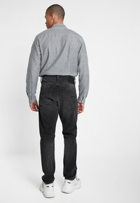 G-Star - 3301 STRAIGHT TAPERED FIT - Jeansy Straight Leg - faded charcoal - 2