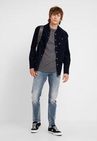 G-Star - 3301 SLIM - Slim fit jeans - elto novo superstretch - faded quartz - 1