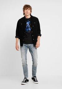 G-Star - REVEND - Jeans Skinny Fit - faded industrial grey - 1