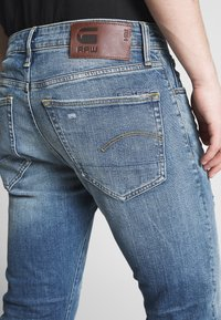 G-Star - SLIM - Jean slim - denim worn in blue faded - 5