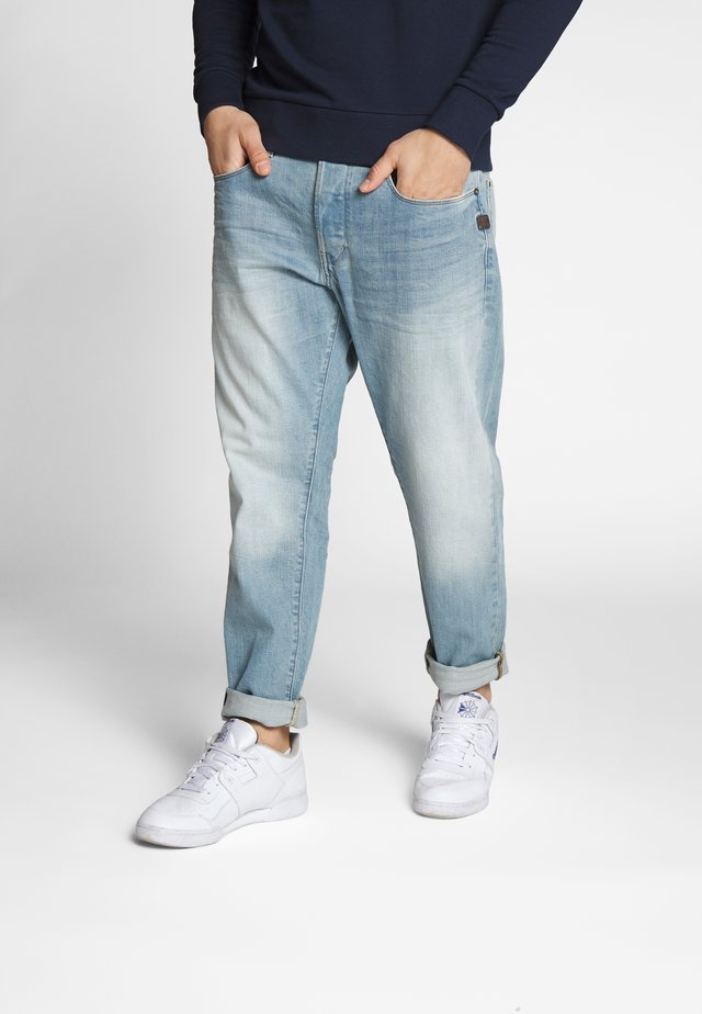 LOIC RELAXED TAPERED - Jeans relaxed fit - cyan
