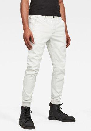 VETAR CUFFED SLIM - Slim fit jeans - white