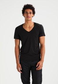G-Star - BASE HTR V T S/S REGULAR FIT 2 PACK - T-shirt basic - solid black - 1
