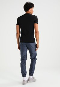 G-Star - BASE V T S/S SLIM FIT 2 PACK - T-shirt - bas - black - 2