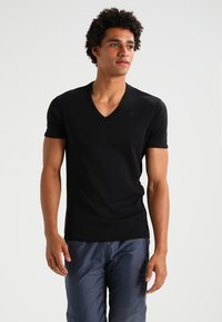 G-Star - BASE V T S/S SLIM FIT 2 PACK - T-shirt - bas - black - 1