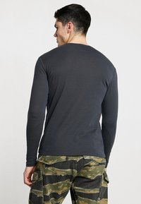 G-Star - BASE R T L/S 1-PACK - Long sleeved top - pedal grey - 2