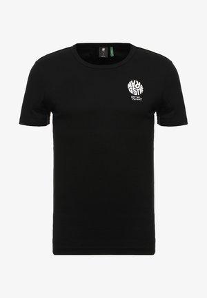 GRAPHIC 7 SLIM R T S\S - T-shirt z nadrukiem - dark black