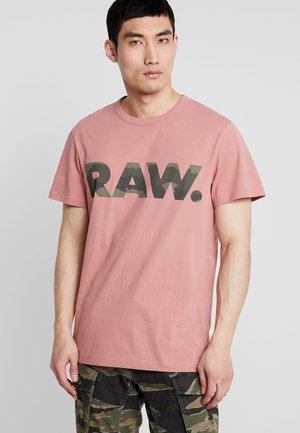 GRAPHIC 6 STRAIGHT - T-shirt print - dk tea rose