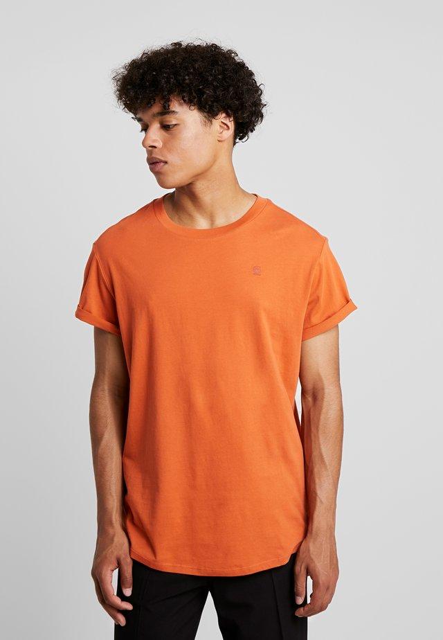 SHELO - Camiseta básica - dusty royal orange