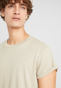 G-Star - SHELO RELAXED - T-shirt basic - khaki - 4