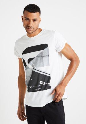 SHELO RELAXED R T S/S - T-shirt med print - white