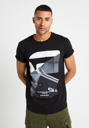SHELO RELAXED R T S/S - T-shirt med print - dark black