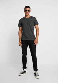 G-Star - BASE-S R T - Camiseta básica - dark black - 1