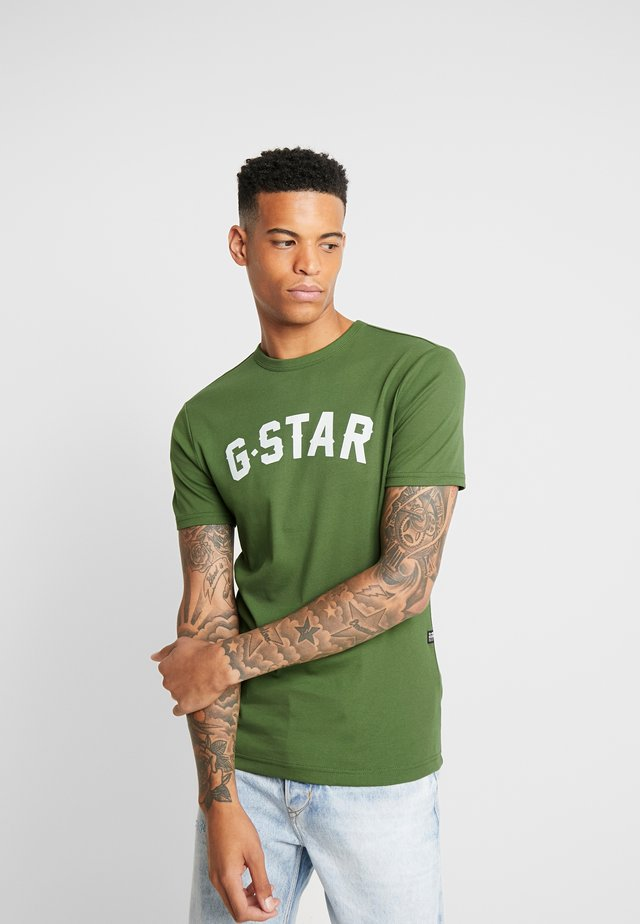 GRAPHIC 16 R T S/S - T-shirt print - kelly green