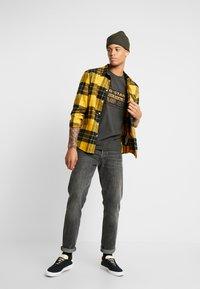 G-Star - ORIGINALS REGULAR R T S/S - Camiseta estampada - raven - 1