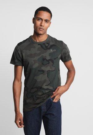 SIPHON MOTAC R T S/S - T-shirt print - dark combat/fearn