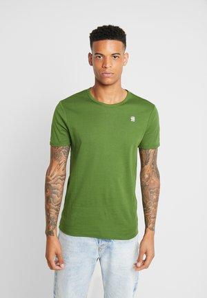 BASE R T S/S - Camiseta básica - kelly green/white