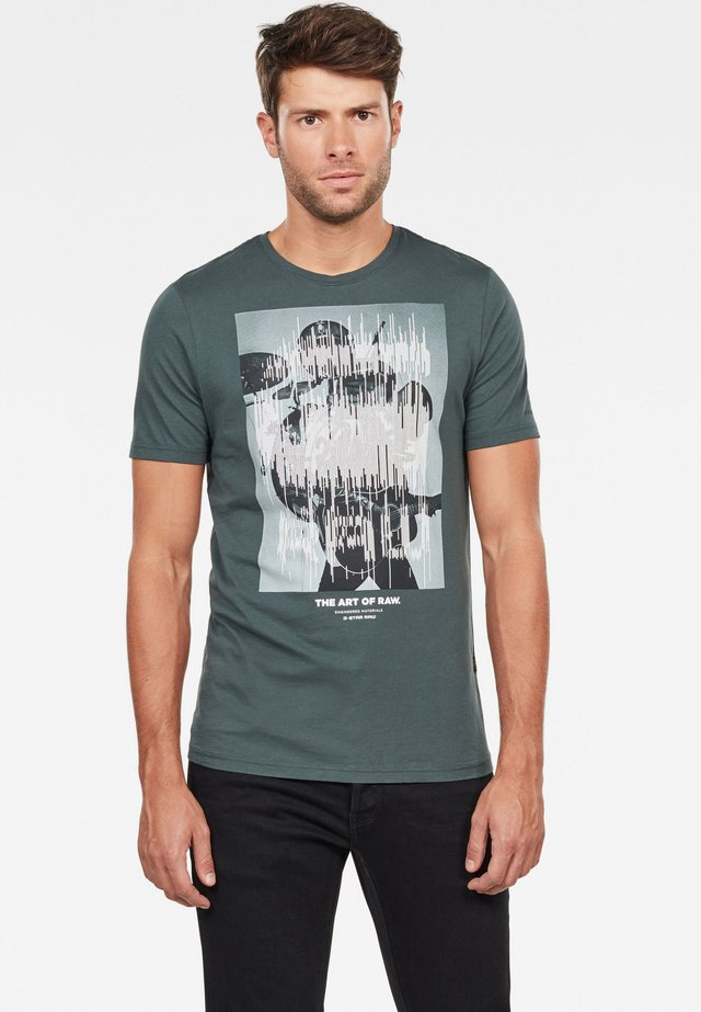 GRAPHIC LOGO - Print T-shirt - green