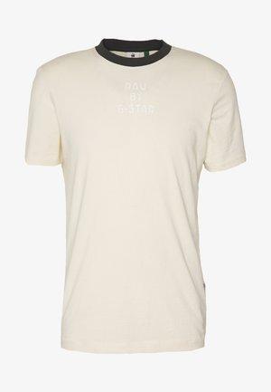 TEXT SLIM - T-shirt con stampa - ecru