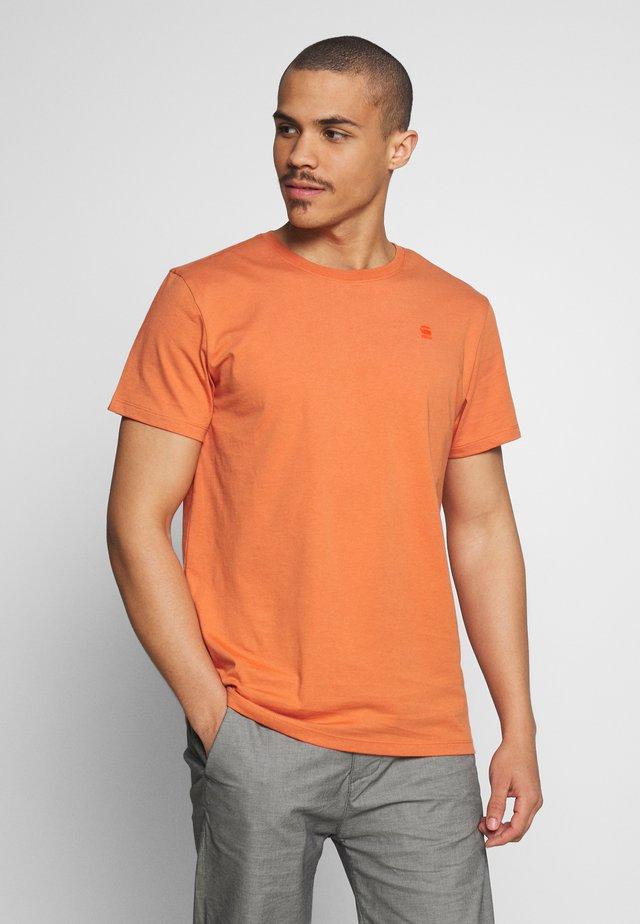 BASE-S - T-shirt basic - langoustino pink