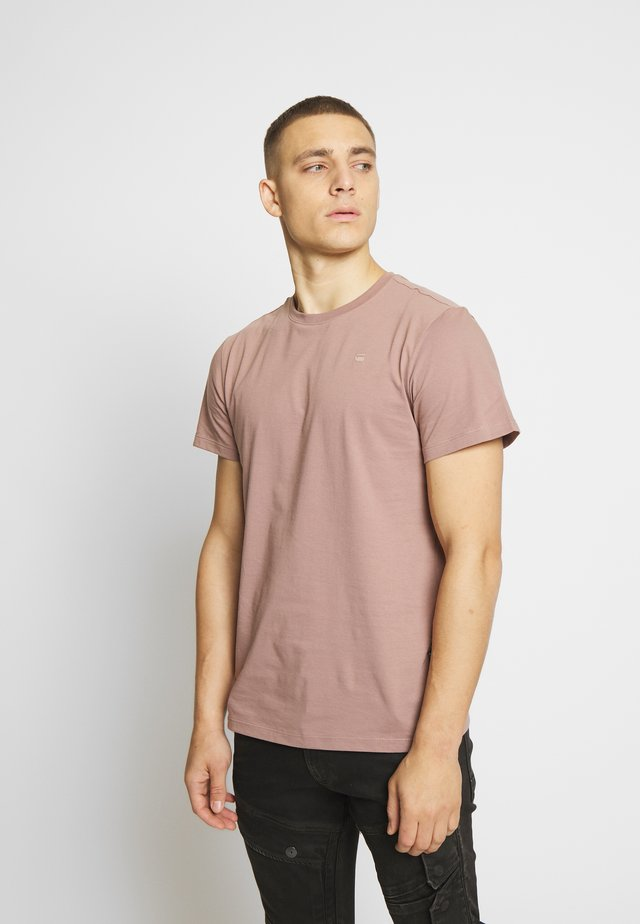 BASE-S - T-shirt basic - chocolate berry