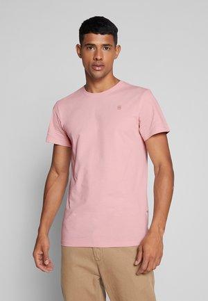 BASE-S R T S\S - T-shirt basique - pyg
