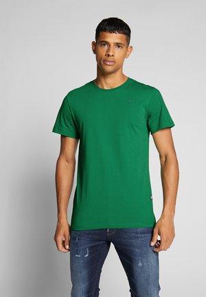 BASE-S - Camiseta básica - training green