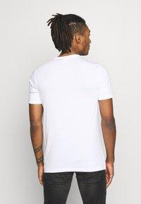 G-Star - ONE SLIM ROUND NECK - T-shirt imprimé - white - 2