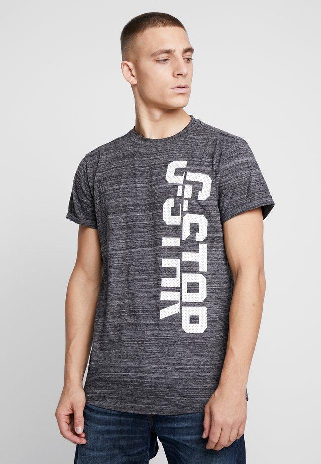 LASH GR - Camiseta estampada - dark black